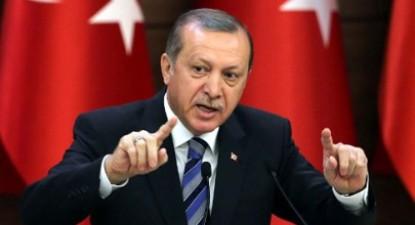 Erdogán, aproveitando o golpe militar, cumpre agora a sua palavra, destituindo milhares de juízes pertencentes ao Supremo Tribunal, ao Conselho Superior de Justiça e ao Conselho de Estado, factos que significam um verdadeiro assalto ao Poder Judicial