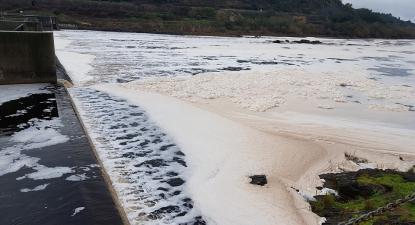 grave episódio de poluição no rio Tejo