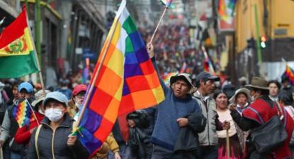 Marcha de camponeses e indígenas nas ruas de La Paz pela renúncia de Jeanine Añez