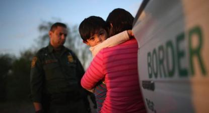 """EUA: Bebés e crianças pequenas detidas em abrigos para crianças """"de tenra idade"""""""