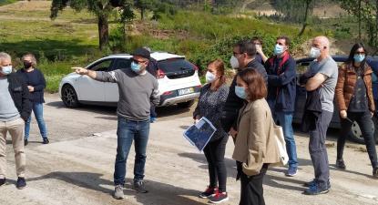 Deputados bloquistas José Maria Cardoso e Maria Manuel Rola em visita a Ribeira de Pena - Foto de Interior do Avesso