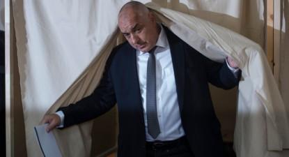 Boiko Borisov, líder do Gerb, partido de direita da Bulgária, depois de ter votado, 26 de março de 2017 – Foto de Georgi Licovski/Epa/Lusa