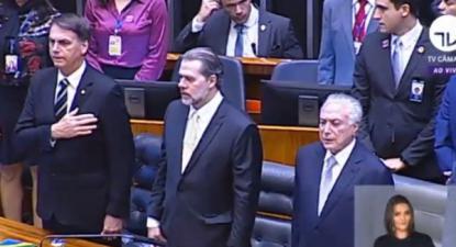 Jair Bolsonaro, Dias Toffoli, presidente do Supremo Tribunal Federal e Michel Temer, ainda Presidente da República, em sessão no Congresso do Brasil - novembro de 2018