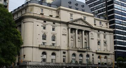 A Bolsa de comércio de Buenos Aires. Foto de By Antonio García from Madrid, Spain CC BY 2.0, https://commons.wikimedia.org/w/index.php?curid=2582373