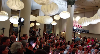 Centenas de pessoas encheram o Rivoli nesta homenagem póstuma a João Semedo.