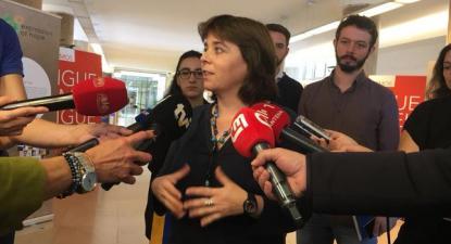 Catarina Martins visitou, na manhã desta quinta-feira, o Hospital de Santa Maria em Lisboa, acompanhada pelos deputados Isabel Pires e Moisés Ferreira – Foto esquerda.net