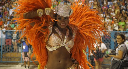 Atriz Cris Vianna, raínha da bateria da Imperatriz Leopoldinense, 2016 – Foto wikipedia