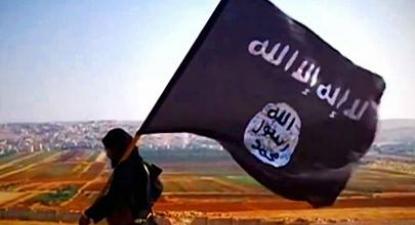 A temida bandeira do Daesh: ataques reforçam a propaganda sobre o povo do califado. Foto domínio público