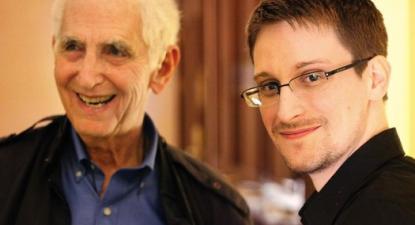 Daniel Ellsberg e Edward Snowden: o primeiro ficou detido apenas dois dias; o segundo arriscava a prisão perpétua.