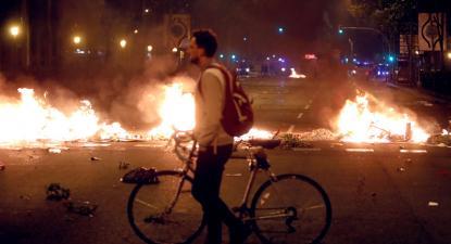 Barricada a arder em Barcelona