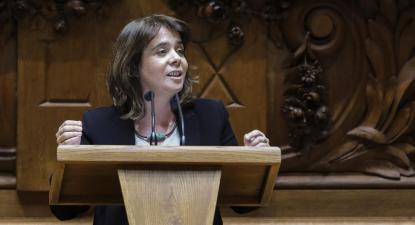 """""""Obsessão com o excedente orçamental"""" justificou """"trincheira"""" do PS contra descida do IVA"""
