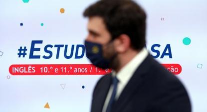 Tiago Brandão Rodrigues nas gravações do Estudo em Casa. Fevereiro de 2021. Foto de  ANTÓNIO PEDRO SANTOS/LUSA.