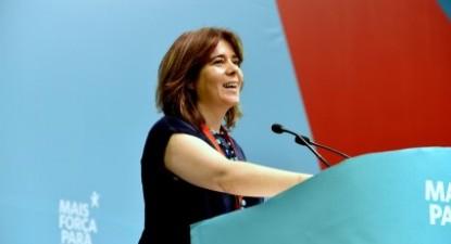 """""""Não desconhecemos as pressões que existem para que este processo [de sanções da Comissão Europeia a Portugal e a Espanha] se vá arrastando e com isso haja uma tentativa de limitar as opções orçamentais em Portugal"""", afirmou em conferência de imprensa Catarina Martins"""