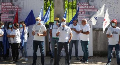 Enfermeiras e enfermeiros protestam em Coimbra, ARS Centro, 8 de outubro de 2021 – Foto de Paulo Novais/Lusa