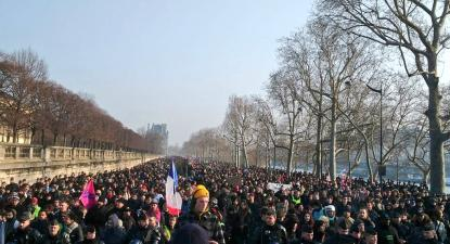 Manifestantes contra a reforma das pensões de Macron. Paris, janeiro de 2020.