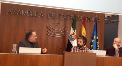 Carlos Matias, deputado do Bloco, na conferência de imprensa do encontro em Mérida.