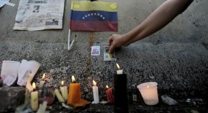 Com o falecimento de Hugo Chávez em março de 2013 e a seguir com o colapso dos preços do petróleo, acelera-se a profunda crise económica, política e ética que hoje a sociedade venezuelana vive