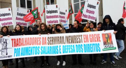 Os trabalhadores da Servirail (bares dos comboios) começaram nesta quinta-feira greve por aumentos de salários e em defesa de direitos, que a empresa quer retirar