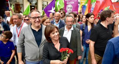Catarina Martins com João Teixeira Lopes na última arruada de campanha, no Porto. Foto de Paulete Matos.