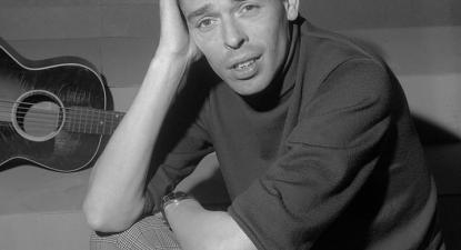Jacques Brel, 1962 – Foto de Jac. de Nijs / Anefo - Edited version of Nationaal Archief, https://commons.wikimedia.org/