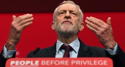 Jeremy Corbyn discursa no Congresso do Partido Trabalhista em Brighton, 24 de agosto de 2019. Foto: Andy Rain/EPA/Lusa.