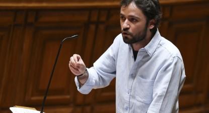 José Soeiro a intervir no Parlamento, foto de Miguel A. Lopes/Lusa.