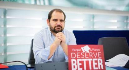 """""""a esquerda pode e deve continuar a atuar e pressionar no espaço europeu por uma regulação internacional contra estas práticas [de dumping fiscal], mas não pode desistir de promover respostas no plano nacional"""", afirma José Gusmão"""