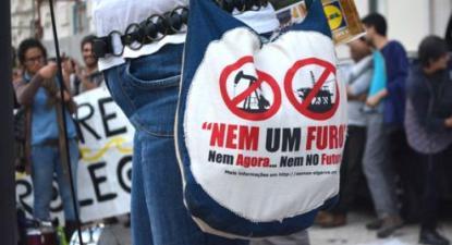 """""""Nem um Furo! Nem agora... nem no futuro"""", manifestação """"Salvar o Clima, Parar o Petróleo"""" em Lisboa - Foto Ricardo Gouveia"""