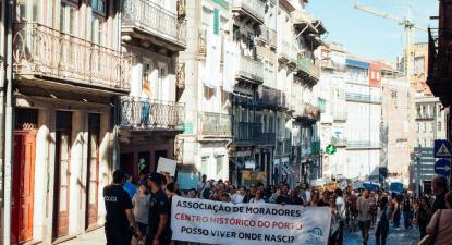 Manifestação pela habitação no Porto, 2018. Foto: O Porto não se Vende/Facebook.