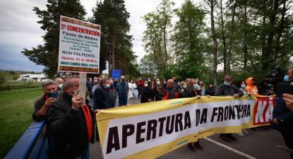 Comerciantes galegos de Feces de Abaixo exigiram reabertura da fronteira, 23 de abril de 2021 – Foto de Pedro Sarmento Costa/Lusa