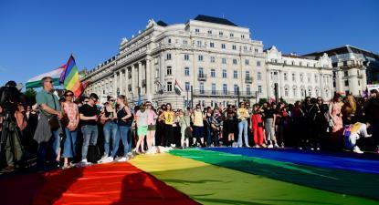 Manifestação contra a legislação homofóbica do Governo de extrema direita de Viktor Orban, Budapeste, 14 de junho de 2021 – Foto de Szilard Koszticsak/Epa/Lusa