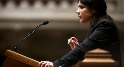 Mariana Mortágua no parlamento. Foto de José Sena Goulão
