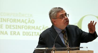 Mário Mesquita.
