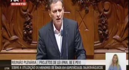 """Pedro Soares: """"Estado tem obrigação de proteger os menores de actividades que promovem a violência"""""""
