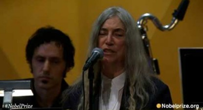Patti Smith - A Hard Rain's A-Gonna Fall   (ceremonia Nobel 2016)