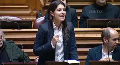 """""""Sempre que o CDS e o PSD falam dos trabalhadores e dos pensionistas é para os instrumentalizar"""""""