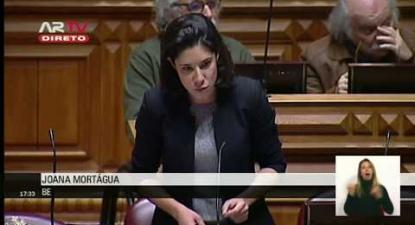 """Joana Mortágua: """"O vosso código do trabalho está a matar a negociação na Autoeuropa"""""""