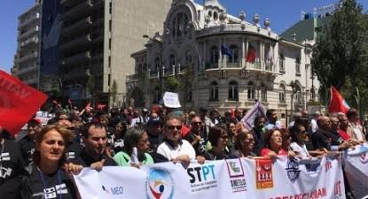 Manifestação contra os despedimentos na PT | ESQUERDA.NET