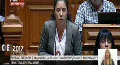 """Joana Mortágua: """"Quanto seria o sacrifício orçamental que o CDS queria fazer à escola pública?"""""""