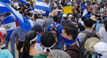 Nicarágua: manifestações de estudantes neste sábado (30 de março) voltaram a ser atacadas pela polícia e por grupo paramilitares