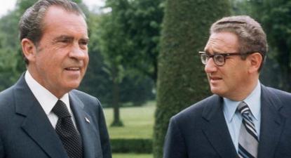 """Richard Nixon e Henry Kissinger - Foto da """"Democracy Now"""""""