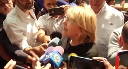 Luíza Ortega Díaz foge com o marido e deputado Germán Ferrer para a Colômbia.