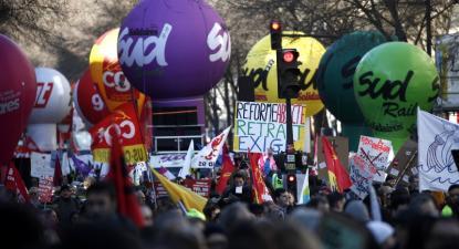 Paris, 6 de fevereiro de 2020, greve e manifestação contra a reforma das pensões – Foto de Yoan Valat/Epa/Lusa