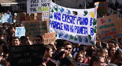 Greve climática estudantil em vésperas da visita de Greta Thunberg a Portugal