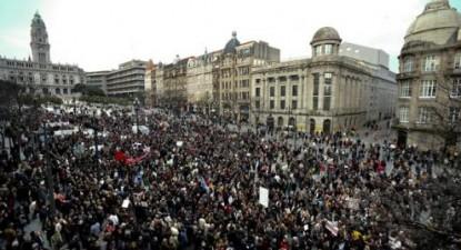 Manifestação do Que se Lixe a Troika juntou 400 mil pessoas no Porto. Foto de Estela Silva/Lusa