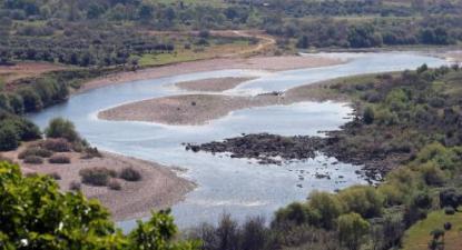Caudal do rio Tejo junto à povoação de Ortiga, Mação, 2 de abril de 2019 – Foto de Nuno Veiga/Lusa