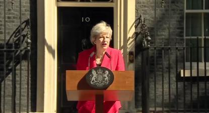 Theresa May anuncia a sua demissão em frente ao número 10 de Downing Street, 24 de maio de 2019. Imagem twitter.com/theresa_may.