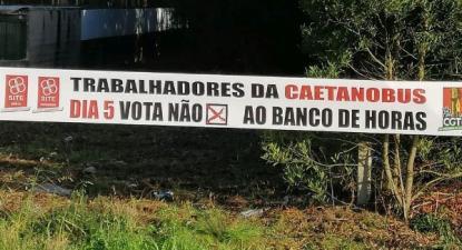 Trabalhadores da CaetanoBus e Aeronautic rejeitaram banco de horas em referendo – Foto da Fiequimetal