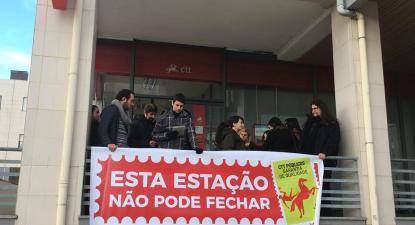 Bloco protesta contra fecho dos CTT em Vila Real