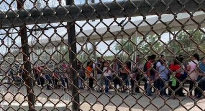Crianças migrantes da América Central estão a ser expulsas dos EUA para o México